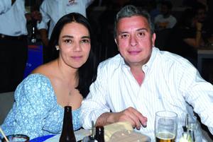 16042021 Luis y Vanessa.