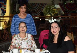 19042021  Karla Valles, María Teresa Sánchez y Imelda Valles.