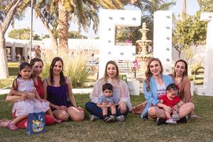 19042021 Ale Urby, Margarita, Sabina, Sandra,Alondra, Eugenio, Maria Alejandra y Amanda en piñata de los seis años de Elisa.