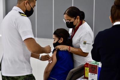 El titular de la Jurisdicción Sanitaria No. VI en la Laguna, Juan Pérez, se dijo confiado en que el proceso se seguirá llevando a cabo con mayor agilidad, de forma que se pueda llegar a la meta de 22 mil 704 dosis para el próximo sábado.