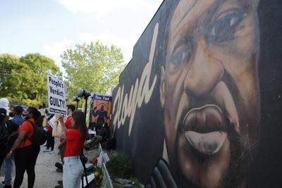 Activistas, políticos y ciudadanos celebran condena a Chauvin por muerte de George Floyd