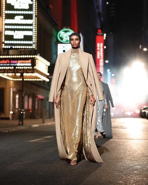 21042021 CELEBRA.  El diseñador estadounidense Michael Kors celebró el pasado martes sus 40 años en el mundo de la moda con un desfile dedicado a Broadway.