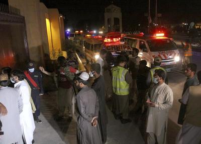 Bomba en hotel en Pakistán deja al menos 4 muertos