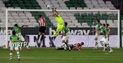 Betis de Lainez aguanta el empate ante el Athletic Club