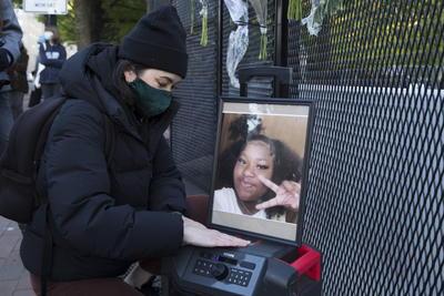 Realizan vigilia por Ma'Khia Bryant, adolescente muerta a manos de policía en Ohio