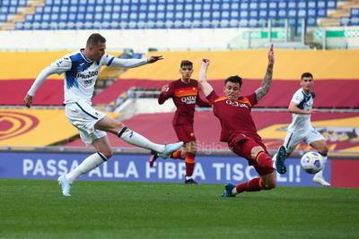 Atalanta le perdona la vida al Roma en la Serie A