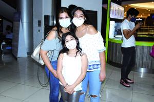 23042021 Selene, Sofía y Lucía Samaniego.