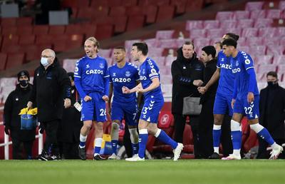 Con error de Bernd Leno, Arsenal cae ante el Everton