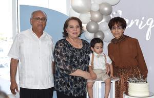 24042021 Abuelos Juan Antonio Talamantes Ramírez, Magdalena Valdivia Vallejo e Imelda Landeros Trujillo.