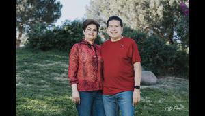 24042021 Rogelio Machado y María del Carmen Hernández celebrando 40 años de matrimonio con familiares y amigos.
