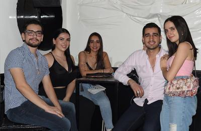 Ángel, Cristian, Daniela, Marian y David.
