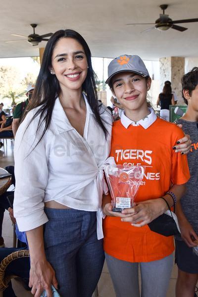 Amine con su hija Ximena