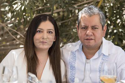 Gaby y Armando Martínez