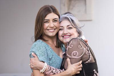 Karla con su mamá, Martha.