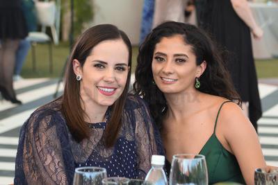 Mary y Mónica.