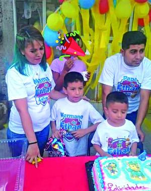 25042021 La familia Balderas Cordero festejan el 4 aniversario de su hijo Ethan Gerardo.