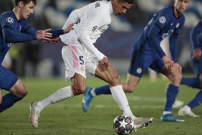 Real Madrid y Chelsea empatan en la ida de semifinales de la Champions