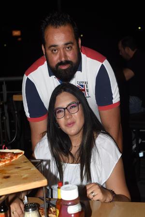 29042021 Carlos Ibarra y Mariana Gómez.
