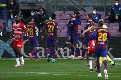 Barcelona deja ir el liderato de LaLiga ante Granada