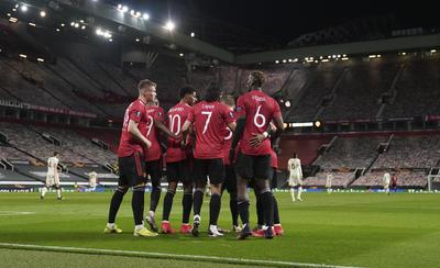 Manchester United, con un pie en Polonia tras goleada