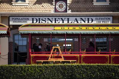 Disneyland reabre sus puertas