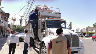 Sorprenden a extitular de Transito en Lerdo con camión cargado de despensas en Gómez Palacio
