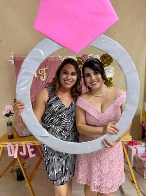 01052021 Anabel Valenzuela Reza (tía del novio) y Mary Paz Escobar Orona.