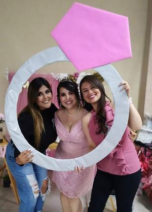 01052021 Rebeca Bernal, Mary Paz Escobar, Karla Campos (amigas).