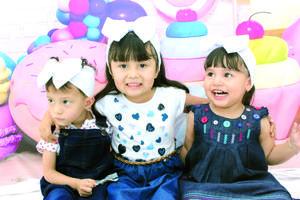02052021 La niña Luciana celebrando su segundo cumpleaños acompañada de sus primas María José y Elizabeth.