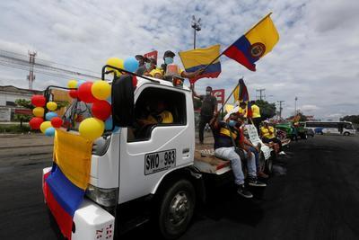 Reportan 19 muertos y cientos de heridos tras represión de protestas en Colombia