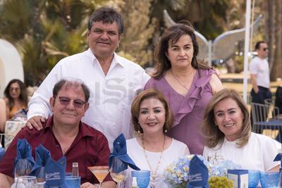 Violeta Ayup, Adriana Camargo, Jesús Dávila, Javier Dávila y Daniela Dávila.