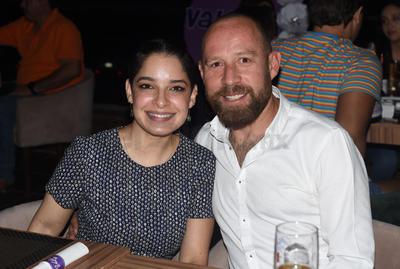 Daniela y Carlos.