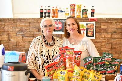 Kareny Machado y Alma Flores.