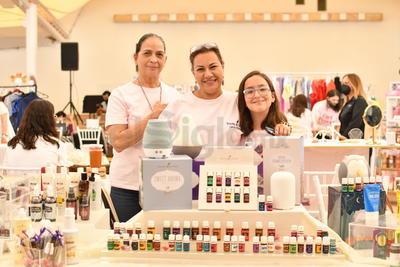 Irma Torres, Lupita Rodríguez y Mayela Braña.