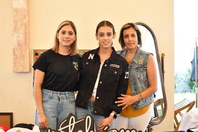 Patricia Gutiérrez, Nelly Monarrez y Carmen Martínez.