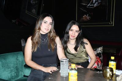 Karla Rivas y Sofía Díaz.