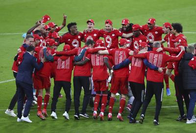 Bayern Múnich celebra su noveno título consecutivo de Bundesliga