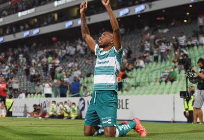 Santos Laguna golea al Querétaro y avanza a cuartos de final