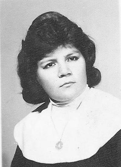 Maria Asuncion Valles Aguilar en el año 1961 a sus 17 años. Ahora mamá, abuela y bisabuela.
