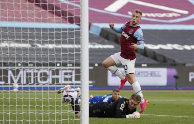 Everton amarga al West Ham y lo aleja de la Champions
