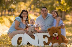 09052021 Ivan y Brenda celebrando el primer cumpleaños de su hijo Elían acompañado por su hermana Ariadne.