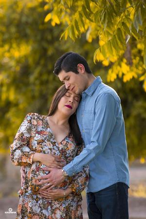 09052021 Alejandra De la Fuente y Manuel Cardiel esperando a su primera bebé Alessandra. - Sotomayor Fotografía