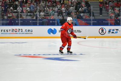 Putin marcó a los 29 segundos a pase de la leyenda del hockey nacional, Pável Buré, que militó durante diez temporadas en la NHL estadounidense.