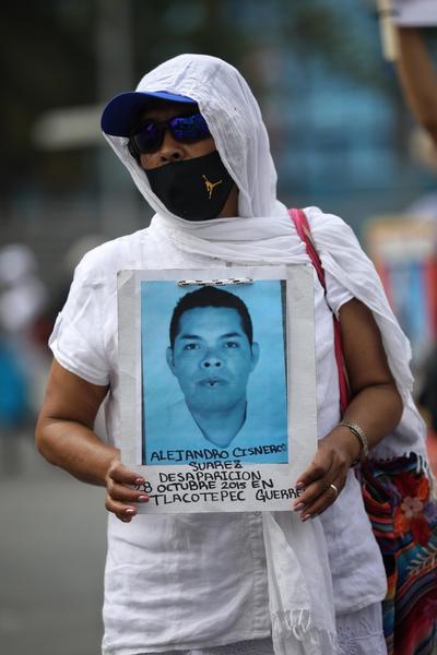 'Ya no hay 10 de mayo', claman en CDMX madres de desaparecidos