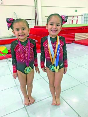 14052021  Bárbara Carlos Cordero y Aitana Carranza, del Colegio América, triunfaron en la Copa Venko dentro del equipo de gimnasia Eleganz.