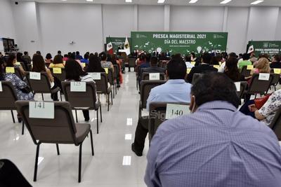 Entrega gobierno de Coahuila Presea Magisterial 2021 en La Laguna