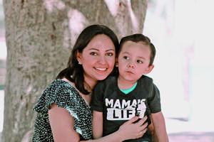 20052021 Diana García con su hijo Iker Matías.