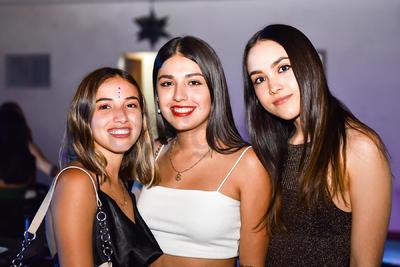 Maryfer, Montse y Frida.