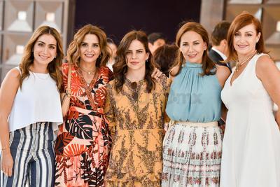 Ivette, Mirna, Velia, Pame y Valeria.