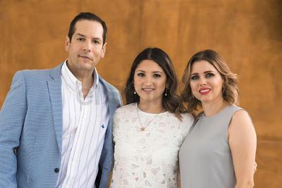 Keta Gómez Bonilla con sus papás, Gabriel Gómez Sáenz y Keta Bonilla Murra.